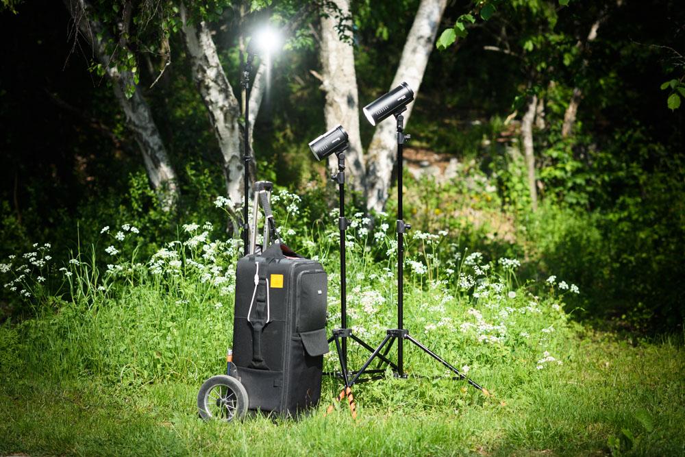 Test och recension av batteriblixten Profoto B10 Plus som är en längre variant av Profoto B10 med dubbel ljusstyrka. Fotograf Stefan Tell