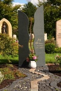 Doppelgrabmal der Steinewelt Flieden e.K.