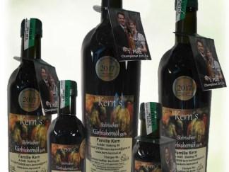 Essig Kernöl Olivenöl