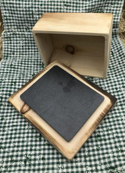 Zirbenholz Butterdose mit Schieferplatte geflämmt