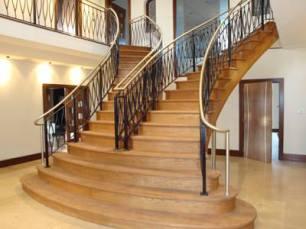 Scara dubla scari din lemn