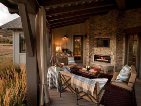 veranda sau terasa casei