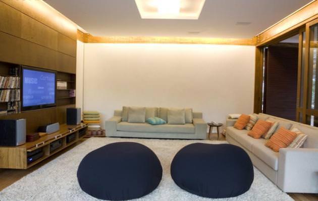 "<a href=""https://i2.wp.com/www.stejarmasiv.ro/wp-content/uploads/2012/08/Grid-House-by-Brazilian-architectural-studio-FGMF-4-unusual-interior-decoration.jpg?resize=630%2C398&ssl=1"" alt=""design interior""></a>"