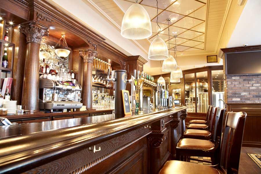 mobilier de bar sau pub