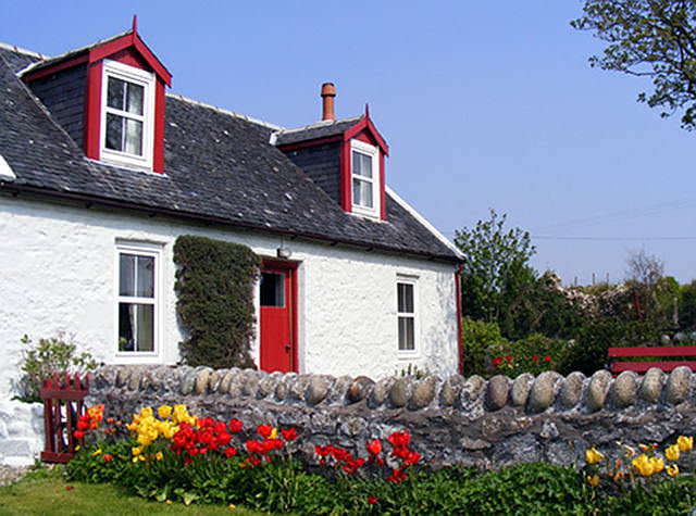 case din lemn si piatra
