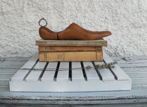 pantof de lemn