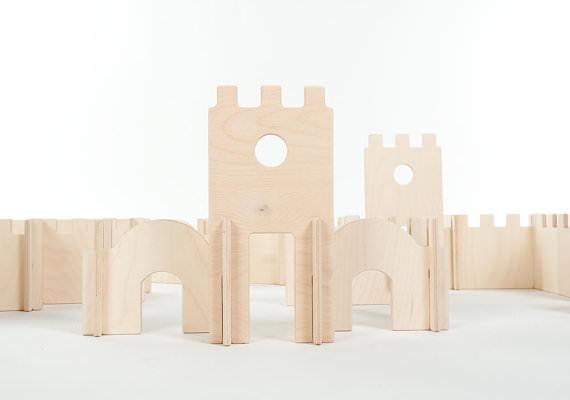 jucarii de lemn