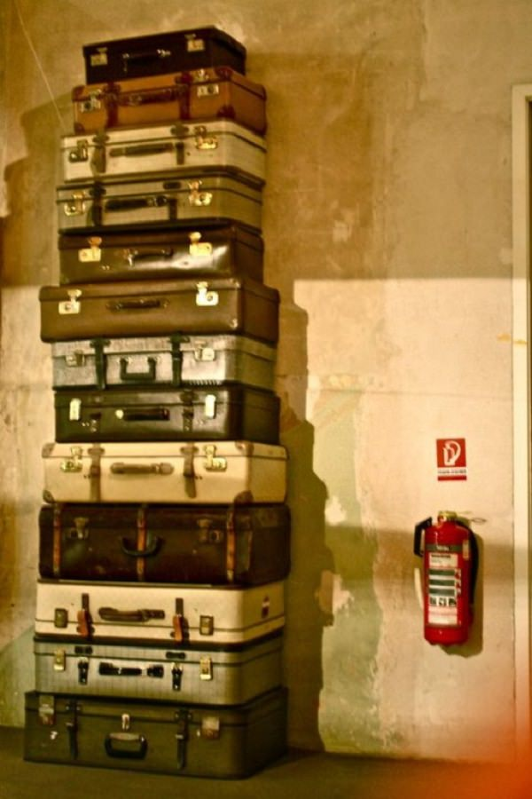 valize pe post de dulap