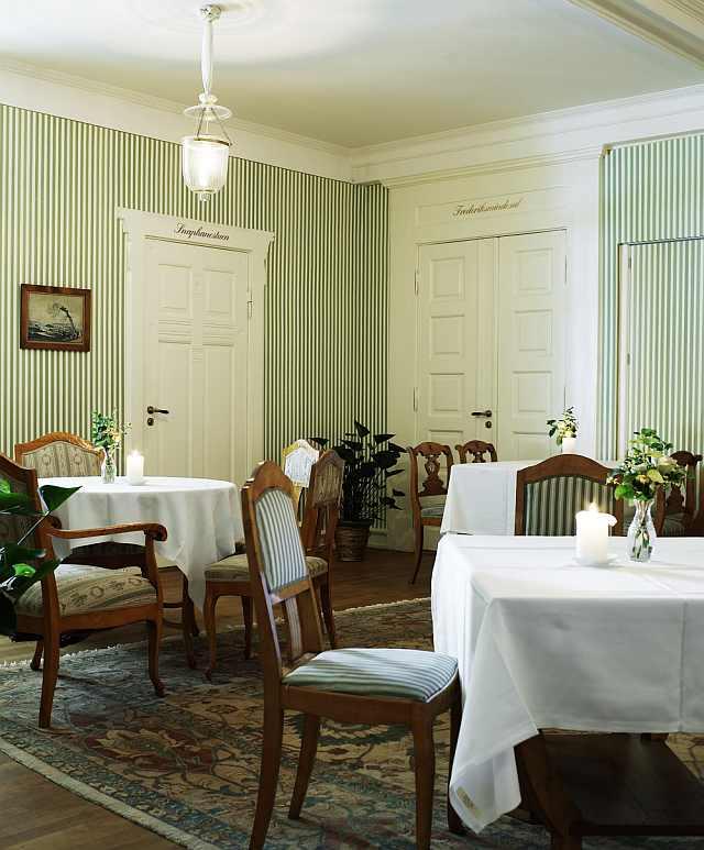 cel mai frumos hotel - salon mic dejun