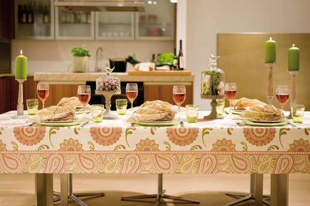 Amenajari profesionale pentru mese festive