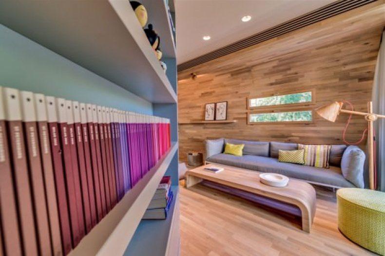 design interior cu lemn masiv - apartament modern