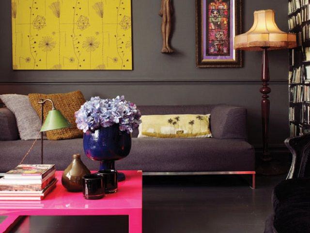 Culoarea gri in combinatie cu culori vibrante