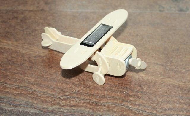 jucării din placaj de lemn