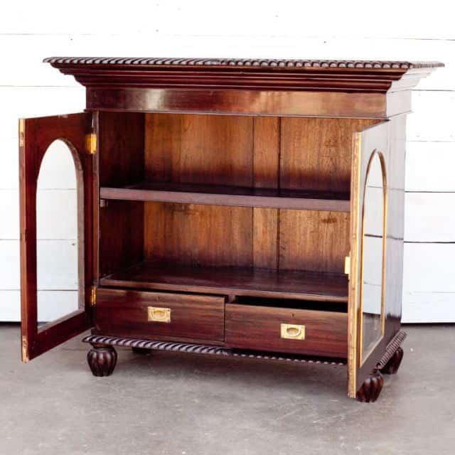 mobila din lemn de trandafir - palisandru