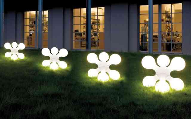 corpuri de gradina -- iluminatul exterior