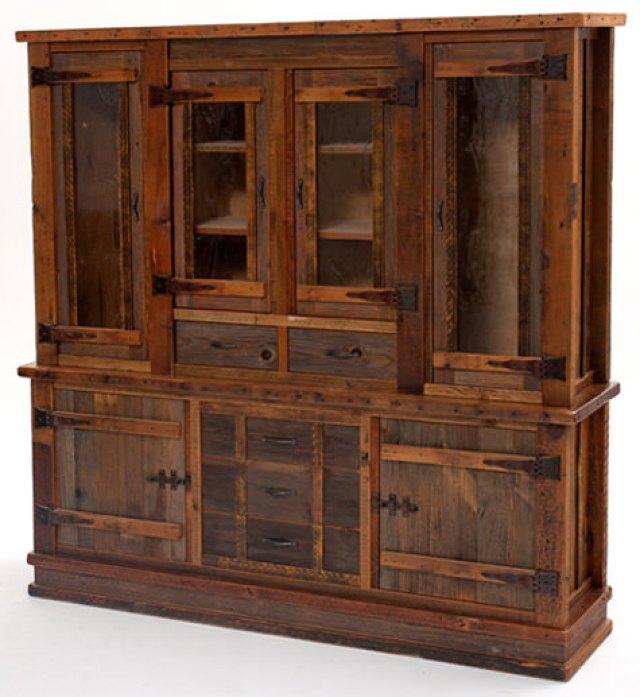 mobila din lemn vechi recuperat - finisajul cu aspect de vechi
