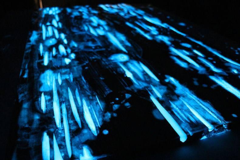 rasina epoxidica fotoluminiscenta