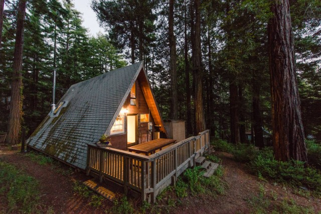 casa pe structura de lemn