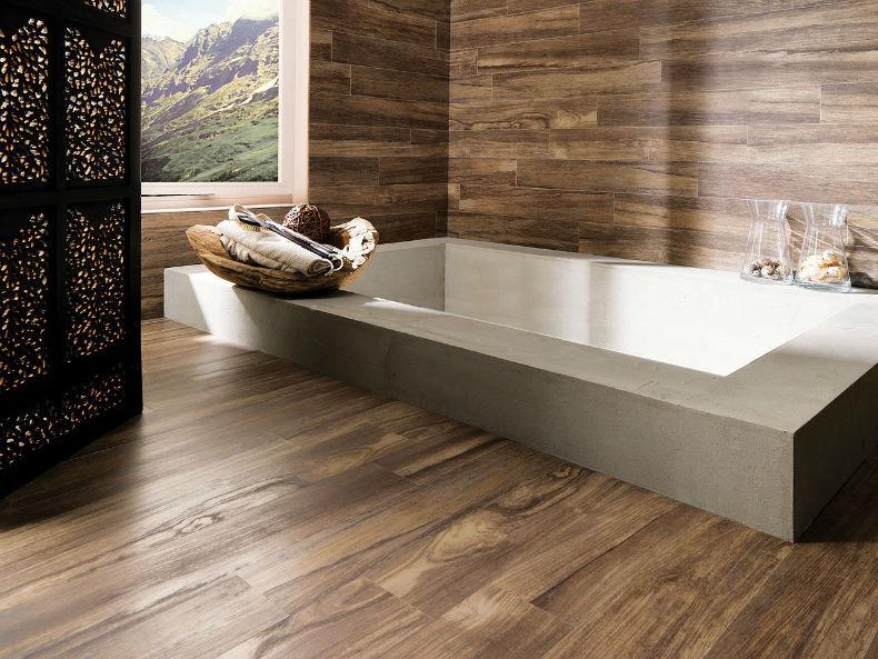 ceramica pentru baie cu aspect de lemn