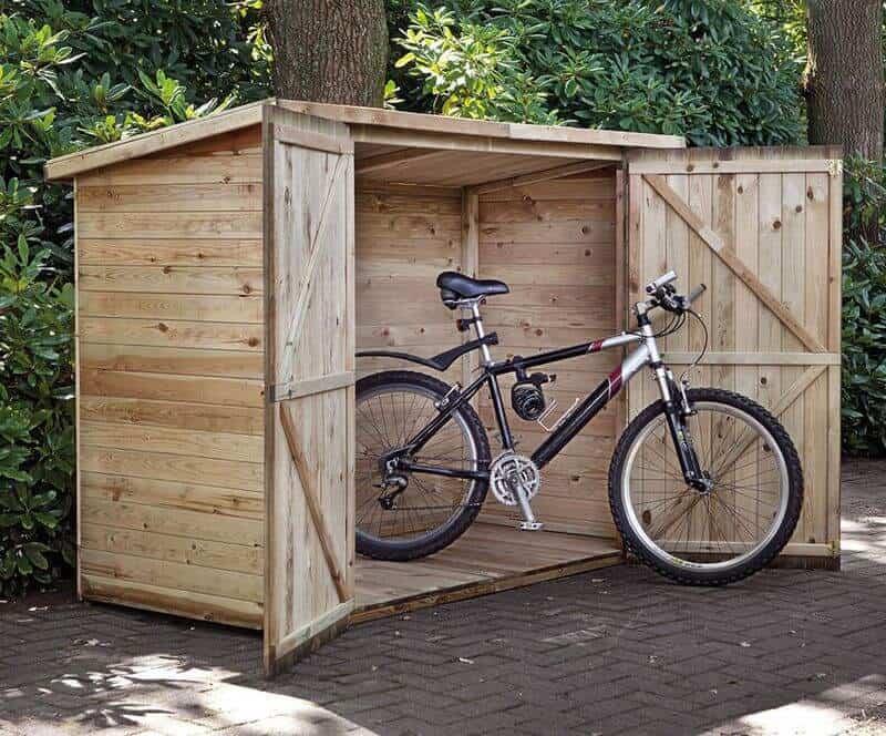 garaj din lemn