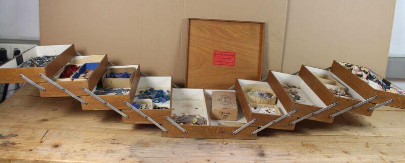 mobilier derivat din cutie din lemn pentru accesorii de croitorie. Black Bedroom Furniture Sets. Home Design Ideas