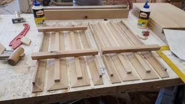 suporturi din lemn pentru pahare
