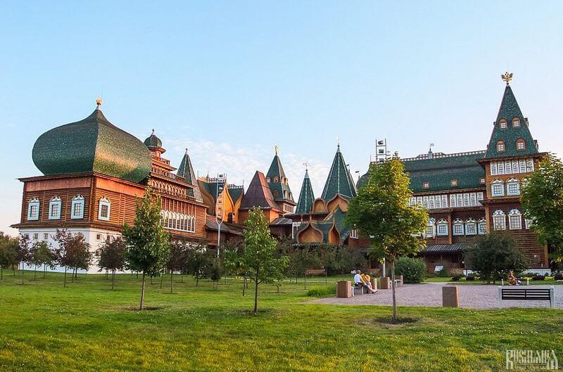 palatul din lemn
