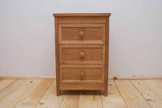 noptiera 3 sertare din lemn masiv de stejar