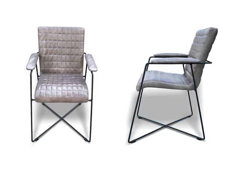 scaun pe structură din metal tapitat cu piele naturala