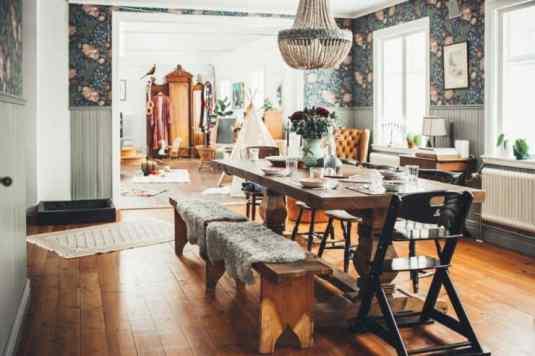 mobilier vintage - mese din lemn