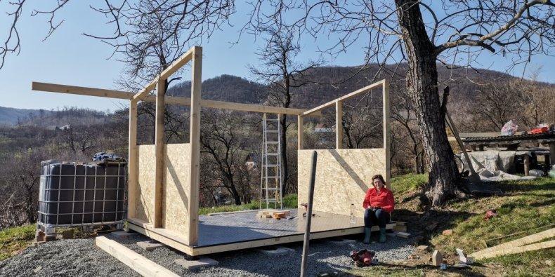 faza intermediara structură din lemn pentru magazie