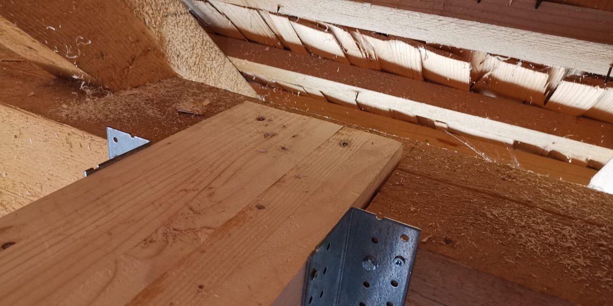grinda centrala din lemn lamelar
