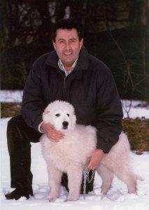 franco tassi con il pastore abruzzese in difesa del lupo