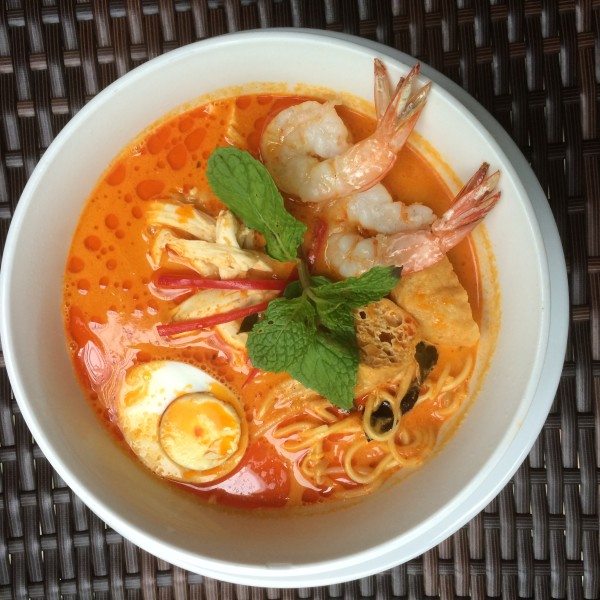 Curry Laksa -- one of my favourite hawker foods! Here, you get a premium version with crunchy fresh prawns, steamed chicken chunks, boiled egg, dried beancurd to soak up all that gracy, and more.