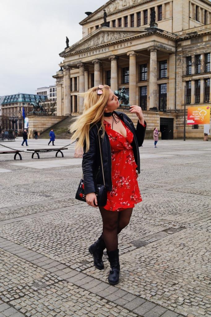 Stella allein in Berlin