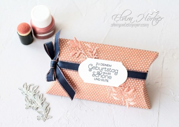 Kissenschachtel in rosegold-everything is rosy-alles wunderbare-geschenkverpackung schnell gemacht-stampin up