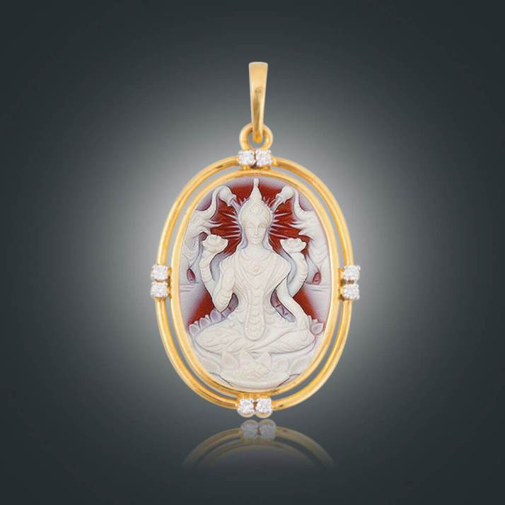 Widely worshipped in India, Goddess of Prosperity- Goddess Lakshmi Cameo (30X22mm) features in this 18K Gold Pendant along with diamonds.