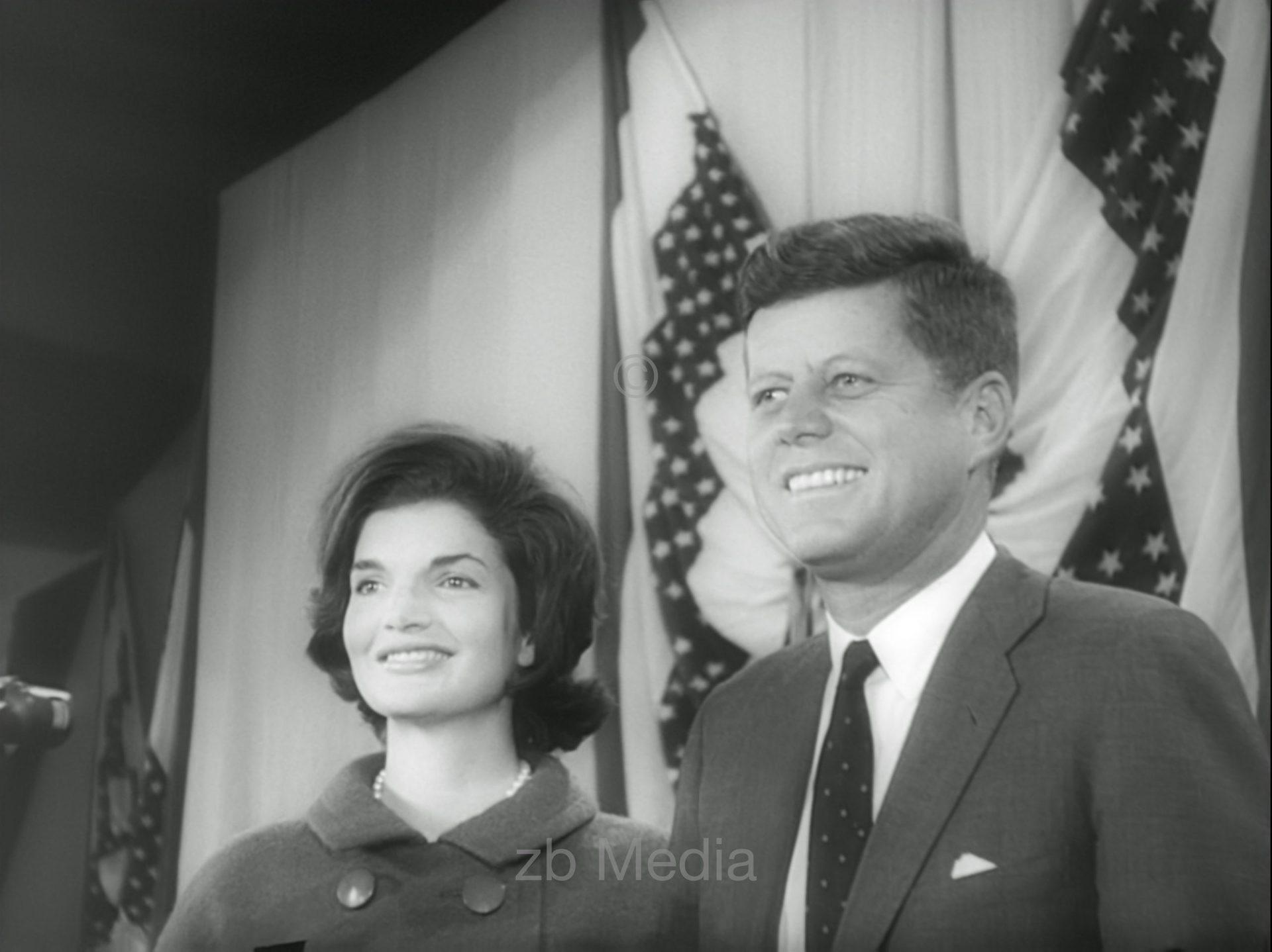 Wahlsieger John F. Kennedy mit Jacqueline Kennedy 1960.