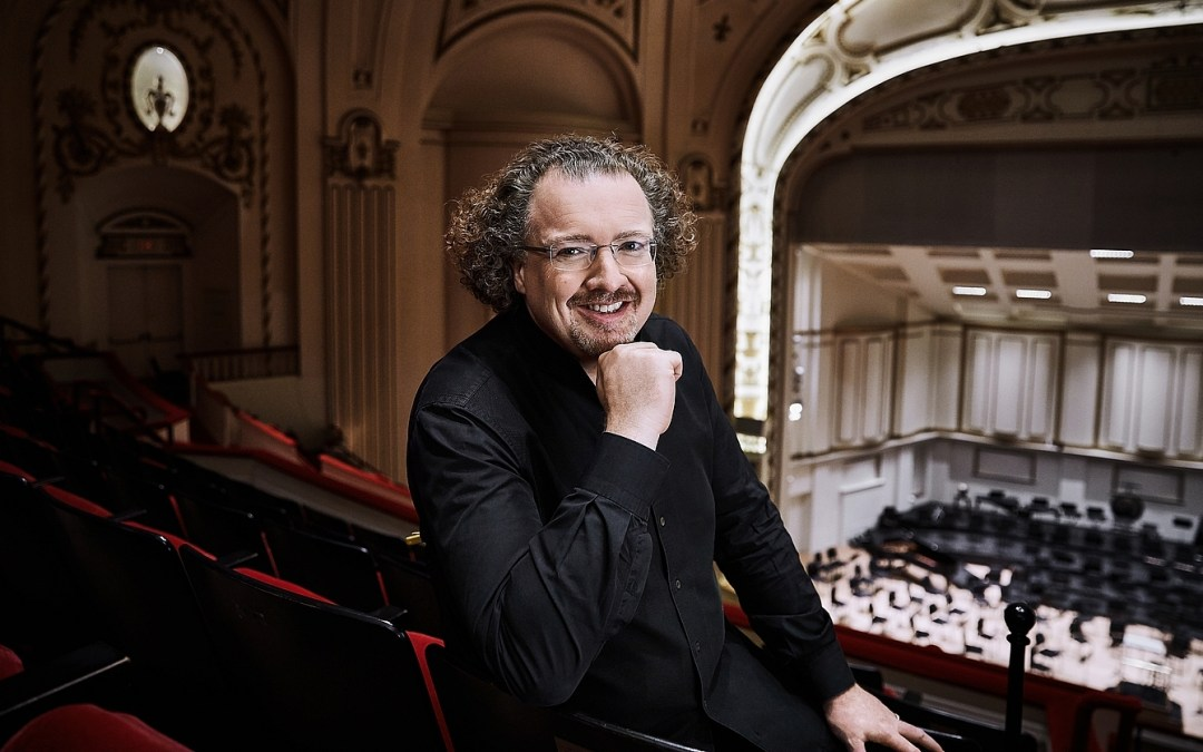 Stéphane Denève begins tenure as Music Director of the St. Louis Symphony Orchestra