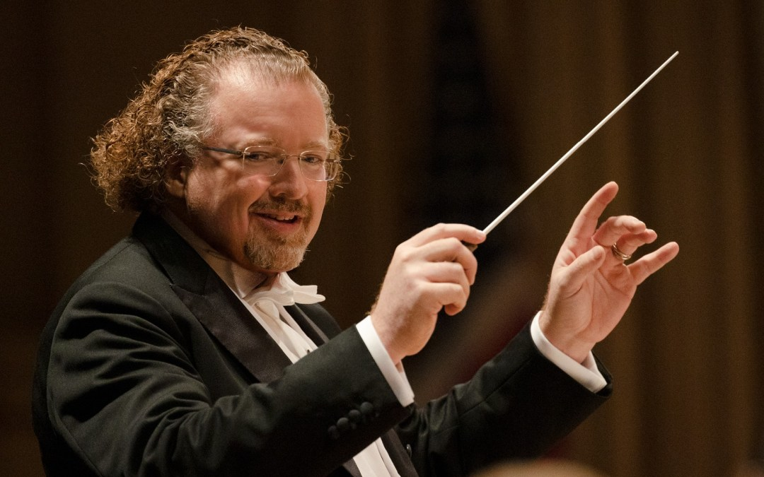Stéphane Denève commits to serve as Music Director of the St. Louis Symphony Orchestra through the 2025/2026 season.