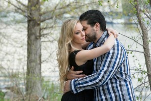 Promotion pour une durée limitée : Séance fiançailles gratuite!