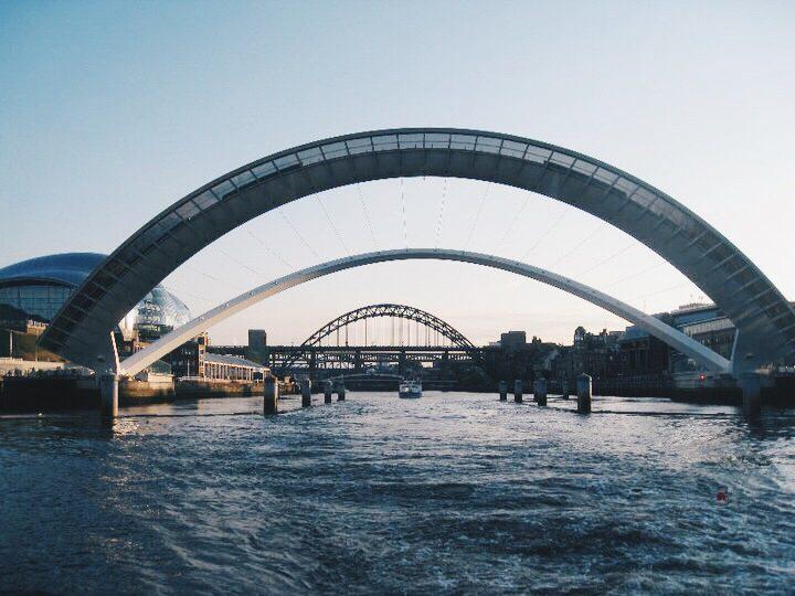 Millennium Bridge blinking
