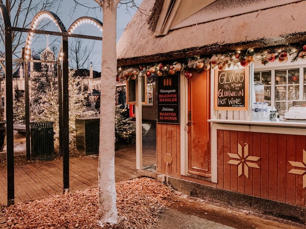 christmas chalet selling glogg tivoli