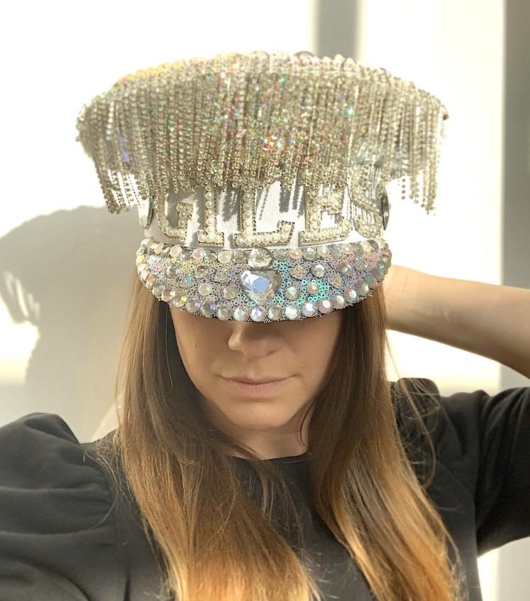 Glitteratti hen do hat