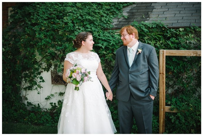 Stephanie Marie Photography Palmer House Stable Events Solon Iowa City Wedding Photographer Matt Courtney 1
