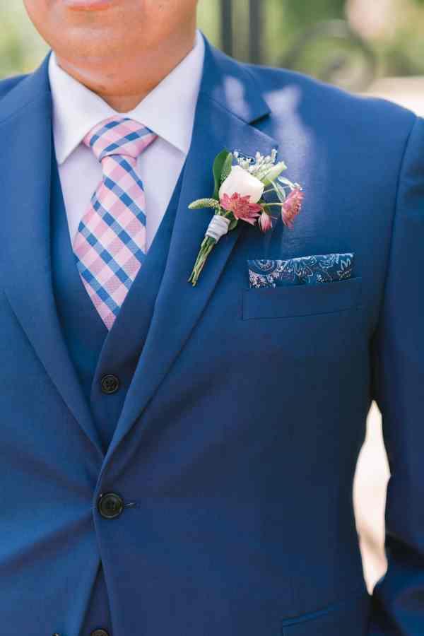 Groom portraits at Thistlewood manor & gardens wedding