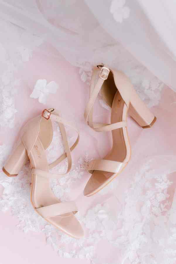 Bridal shoes at Thistlewood manor & gardens wedding