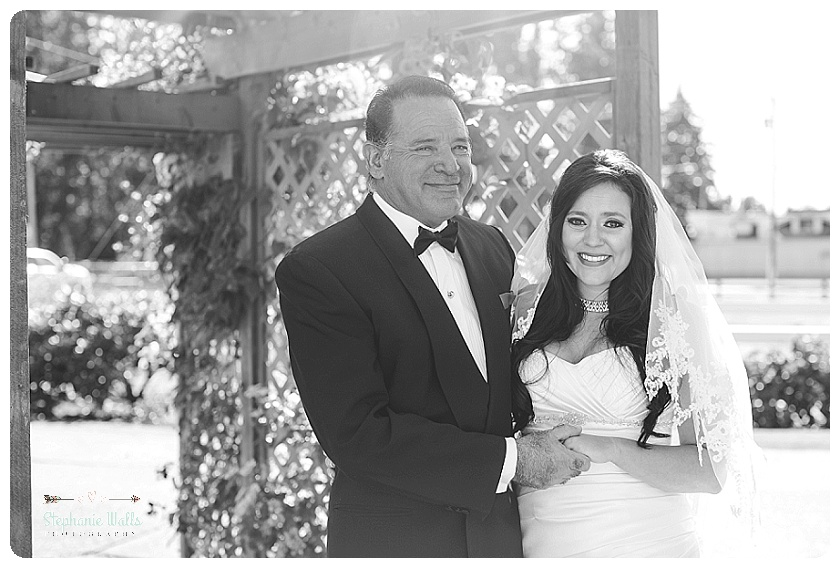 2015 12 22 0026 Enumclaw Private Backyard Wedding | Enumclaw Wedding Photographer