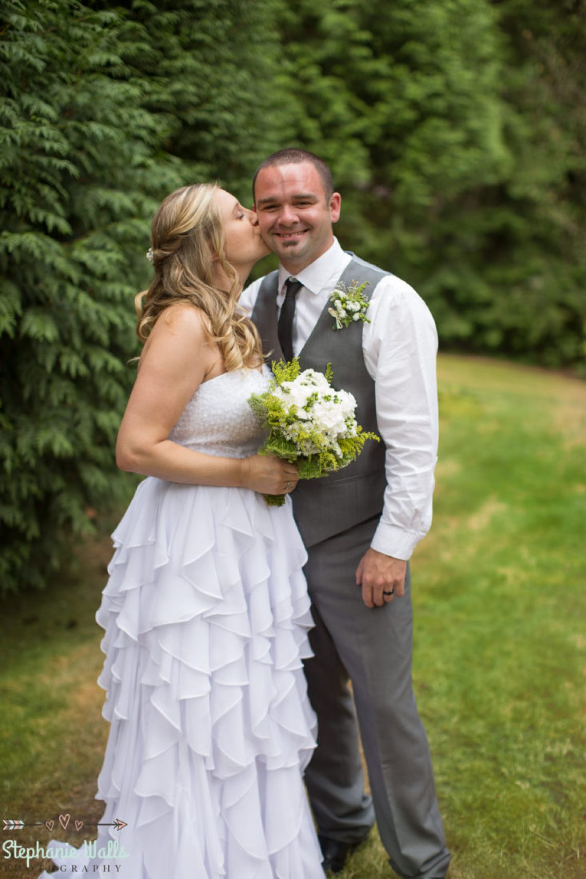 Cruz Blog 47 WOODINVILLE BACKYARD POOL WEDDING | WOODINVILLE WEDDING PHOTOGRAPHER