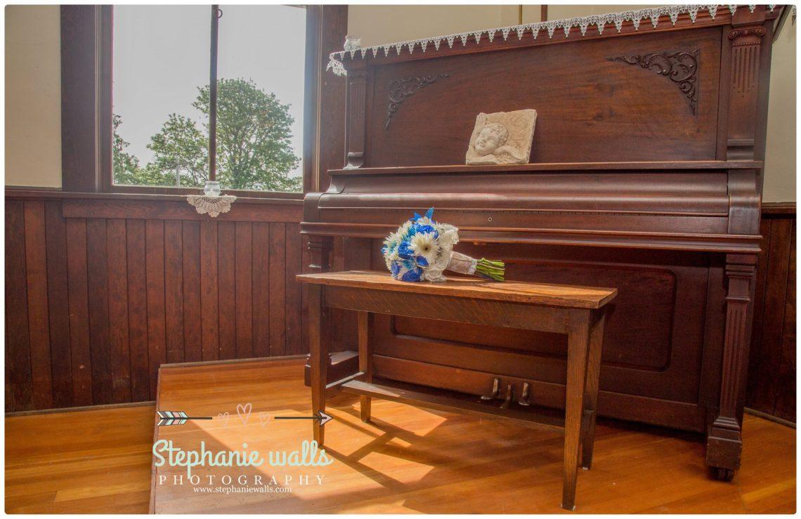 Petty Wedding 39 Making Memories   Chapel At Swan Trails Wedding Snohomish, Wa